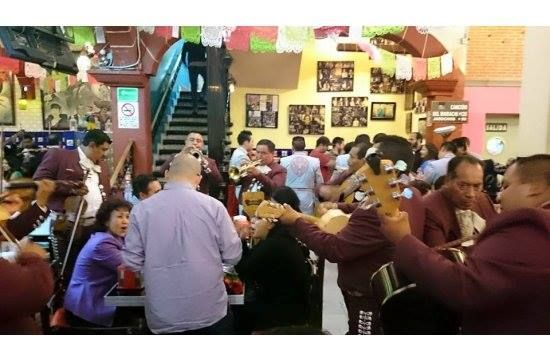 Si aun no tienes planes para este fin de semana, te recomiendo ampliamente ir al Salón Tenampa a pasar un rato agradable y escuchar un buen mariachi