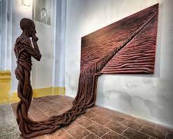 Autor: Michal Trpák. Imagen registrada por transformación.  A través de la relación del soporte espacio público y el conformante pintura y escultura.