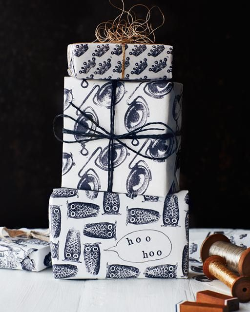 Lovas World: Hand-Stamped DIY Wrapping Paper