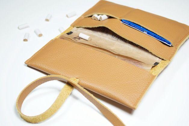 Tabaktasche aus Echtleder, handgemacht und praktisch / tobacco bag, leather, little helpers by jedentagsommer via DaWanda.com