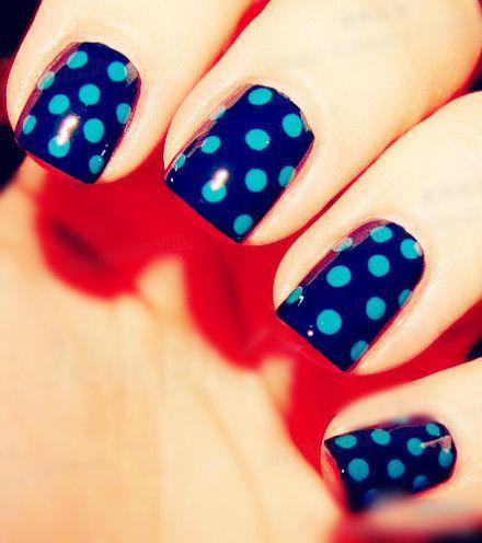 Polka dot nail design. Cute and pretty nail art