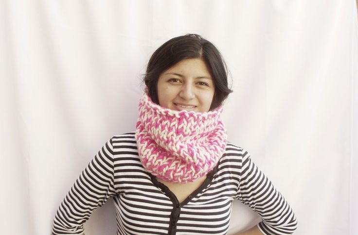 Chunky snood in brigh pink and white, lovely!