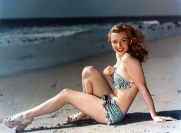 Il 1 giugno del 1926 nasceva a Los Angeles Norma Jeane Baker, diventata poi la famosa Marilyn Monroe. Oggi la vogliamo ricordare con una ricca galleria di 80 fotografie scovate sul web. Le immagini, rare e curiose, la ritraggono sia come Norma Jeane (c'è anche una sua foto da neonata, un amore!) e alcune come attrice nei suoi momenti di svago e di relax.  Marilyn Monroe è morta il 5 agosto del 1962, a trentasei anni.