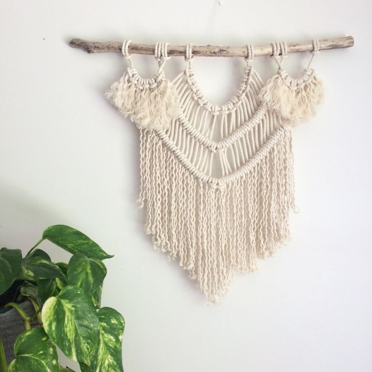 Macrame Wall Hanging DIY Pattern & Kit including Driftwood.   Luna Pattern   This DIY kit is perfect for beginners. If you have never tried macrame, heres your chance!   Last photo is a finished piece from a complete beginner using this kit!  Kit Includes; > Driftwood approx 45cm (~17) > Cotton rop