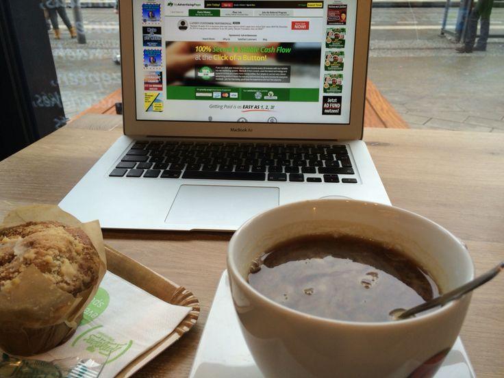 Zu sieht heute mein Arbeitsplatz aus  Wie sieht deiner? Wenn du auch frei sein willst wie ich dann schau hier: www.marcinstachowiak.berlin