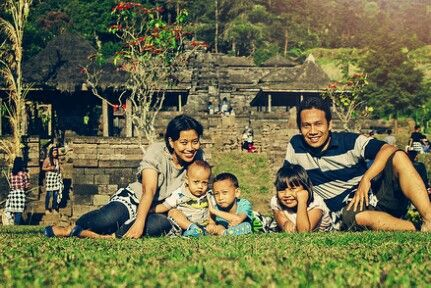 Cetho temple. Central Java. Indonesia #family #indonesian #andhanghabsoro'sfamily