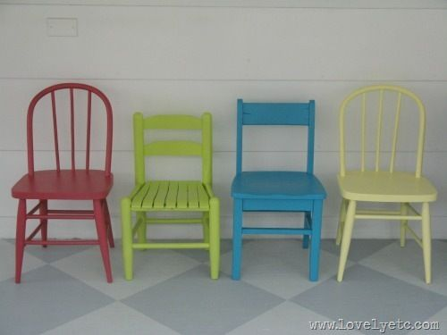 Painting the one antique kids chair i have i should find Cute kids table and 3 chairs, diy with paint!