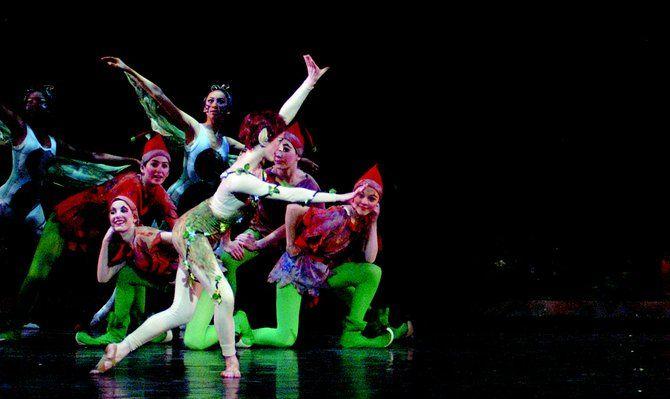 Danza con pasos latinos en esta primavera