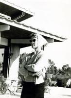 Η Ρόμυ Σνάιτερ στην Καστέλλα στις 14 Μαρτίου 1957  5614938 (2254) Romy SCHNEIDER, deutsche Schauspielerin, Portrait beim gemeinsamen Urlaub mit Karlheinz Böhm in Griechenland, in Kastela bei Piräus. 14.03.1957.  [Nutzung nur mit Genehmigung und gegen Honorar, Beleg, Namensnennung und zu unseren AGB. Nur zur redaktionellen Verwendung. Honorare an: KEYSTONE Pressedienst,  HASPA, BLZ 200 505 50, Kto. 1235130877]