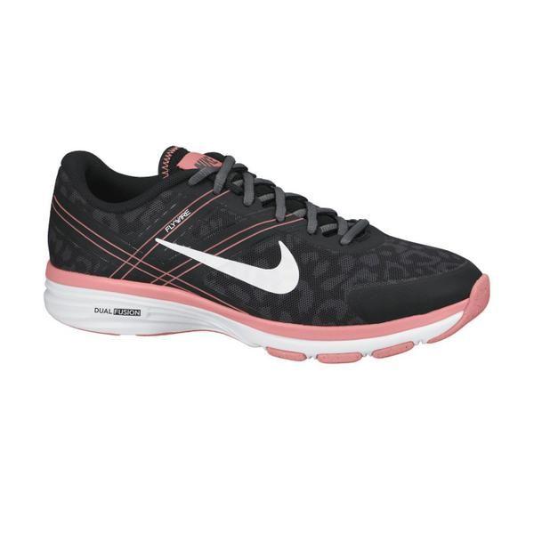 Sepatu Fitness Wanita Nike Dual Fusion TR adalah sepatu fitness dengan mesh lembut bergaya atletik. Upper bagian depan yang rendah dengan bantalan depan yang empuk membuat setiap traksi menjadi lebih nyaman. Midsole yang terbuat dari phylon ringan memberi dukungan setiap gerakan dinamis.