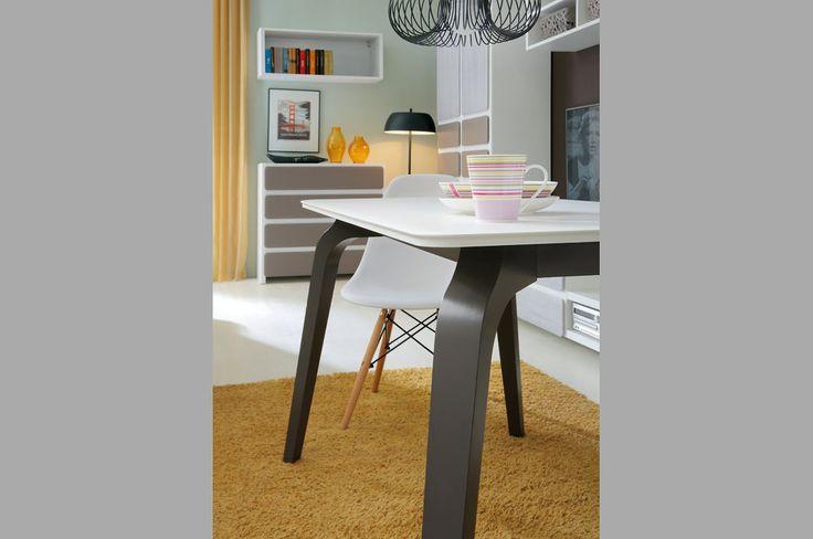Possi - stół