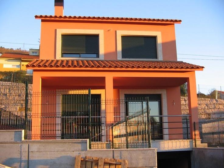 trabajos de pintura de exterior de la marca caparol en vivienda unifamiliar en urbanizacin en mos