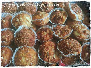 Nigella Lawson's apple and cinnamon muffins  Przepisy od serca: Muffinki z jabłkami i migdałami wg Nigelli Lawson