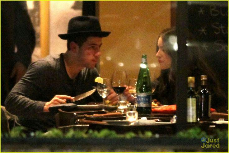 Olivia Culpo and Nick Jonas during an Italian Dinner. - http://missuniversusa.com/olivia-culpo-nick-jonas-spotted-italian-dinner-los-angeles/