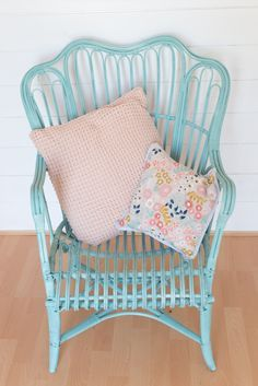 £5 cane garden chair makeover using pale turquoise Pinty Plus aerosol chalk paint. furniture.