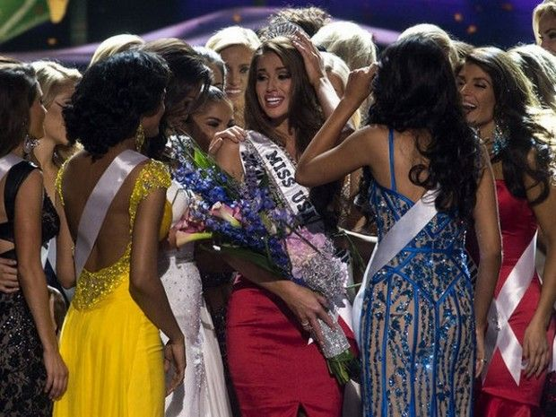 Miss Nevada Nia Sanchez crowned as Miss USA 2014