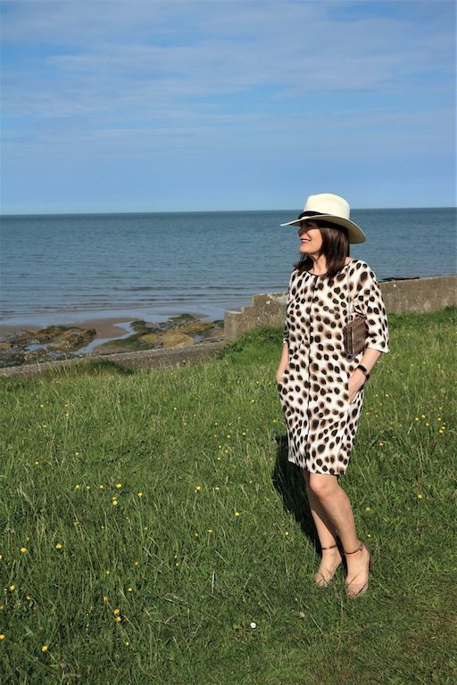 d8796dfbc4dc82 DENIM BLOUSES ARE SO COOL & FANCY FRIDAY LINKUP | Dressy Skirts ...