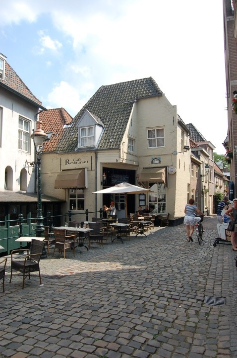 Den-Bosch/ uilenburg