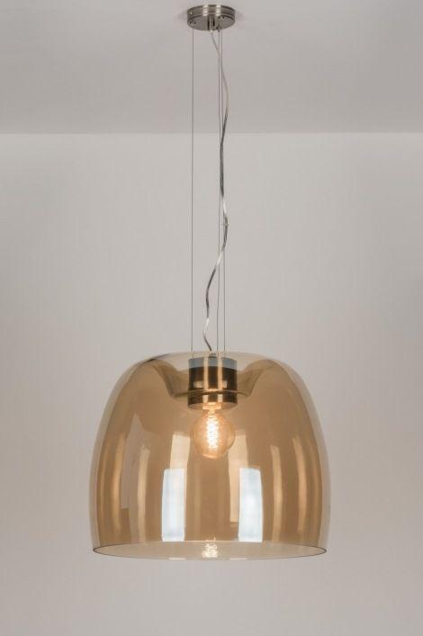 Home interior lights / ONLINE SHOP : click on this LINK ( www.rietveldlicht.nl ) Verzendkosten gratis . Helpdesk maandag t/m vrijdag: van 09.30 uur tot 17.00 uur Telefoon: 0184 499 637  Imposant en zeer indrukwekkend! Bijzonder grote glazen hanglamp (52cm) Een lamp die niet aan uw aandacht mag ontsnappen! Deze lamp is gemaakt van bruin mondgeblazen glas. De vormgeving van het glas is bijzonder te noemen. Aan de bovenzijde is een verdieping aangebracht waar de stoere stalen fitting in valt.