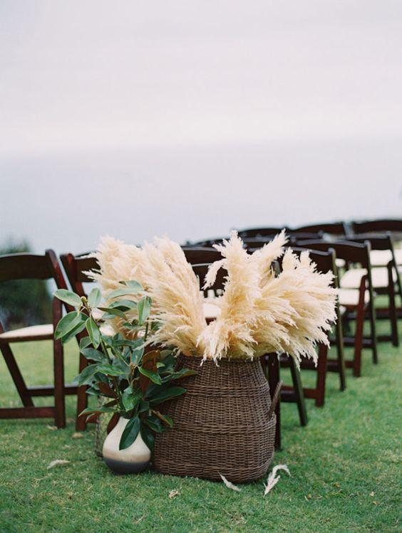 Pampas grass in a wicker basket / http://www.himisspuff.com/pampas-grass-wedding-ideas/3/