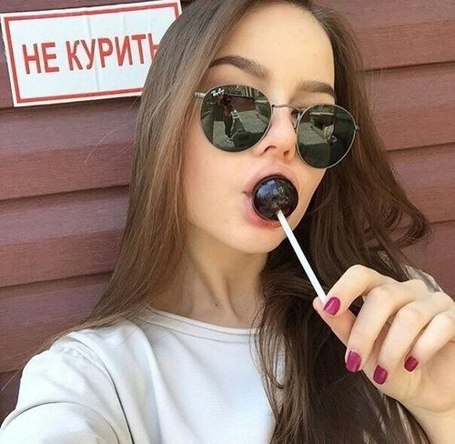 10 Diferentes poses de selfies para que por fin cambies tu foto de perfil