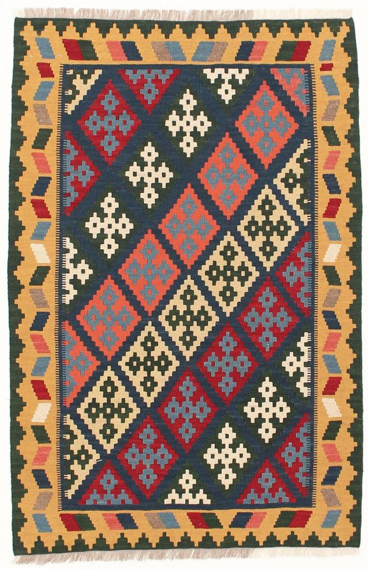 This hand woven oriental carpet by Kelim Fars is 155x102cm.