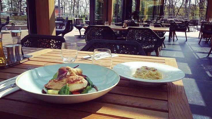 Carbonara spagetti és csirke supréme zöldséggel és hideg fokhagymakrémmel #italian #ristorante #avalonpark #avalon #carbonara #spagetti