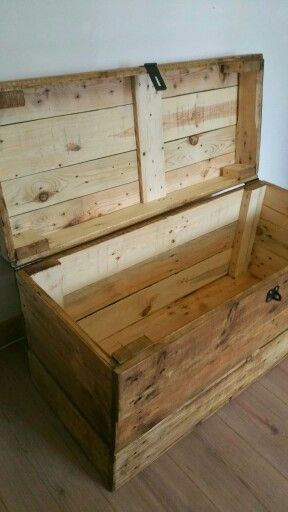 Timber wolf clamshell storage trunk. Handmade from reclaimed wood.