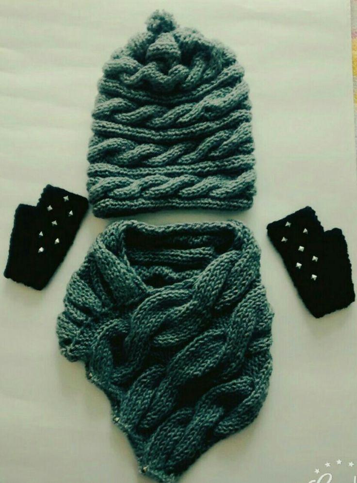Bohemia: Cuello, gorro, y guantes en dos agujas con apliques.. Info; majob28@hotmail.com