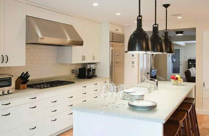 White Lacquer Paint Kitchen Cabinets