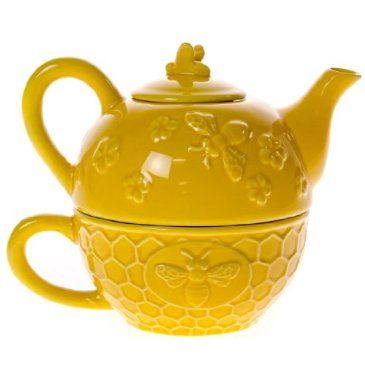 The Stoneware Bee Tea for One makes an excellent gift for the tea lover in your life and makes a beautiful piece to display on your countertop or shelves when not in use.