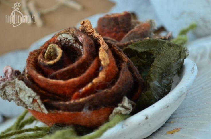 Купить Украшение в волосы «Две осенние розы» - украшение в волосы, авторская работа, ручная работа