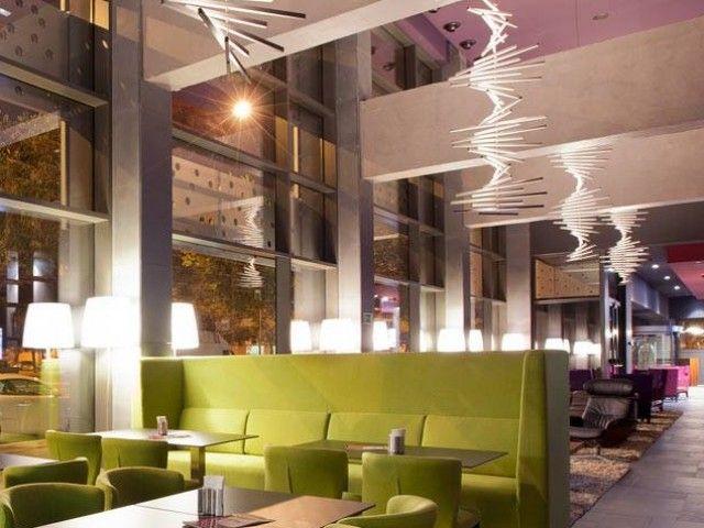 Lobby hotel SB Plaza Europa.  Decoración Alado