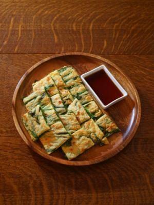 「カリカリ美味しいチヂミ♪」ニラだけのシンプルチヂミです。簡単にできます。【楽天レシピ】