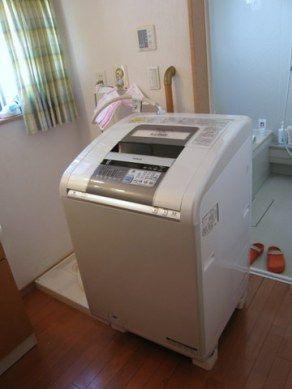 新しい洗濯機がサイズは大丈夫なのに防水パンに置けない!   カイテキ!やっちゃえDIY!!