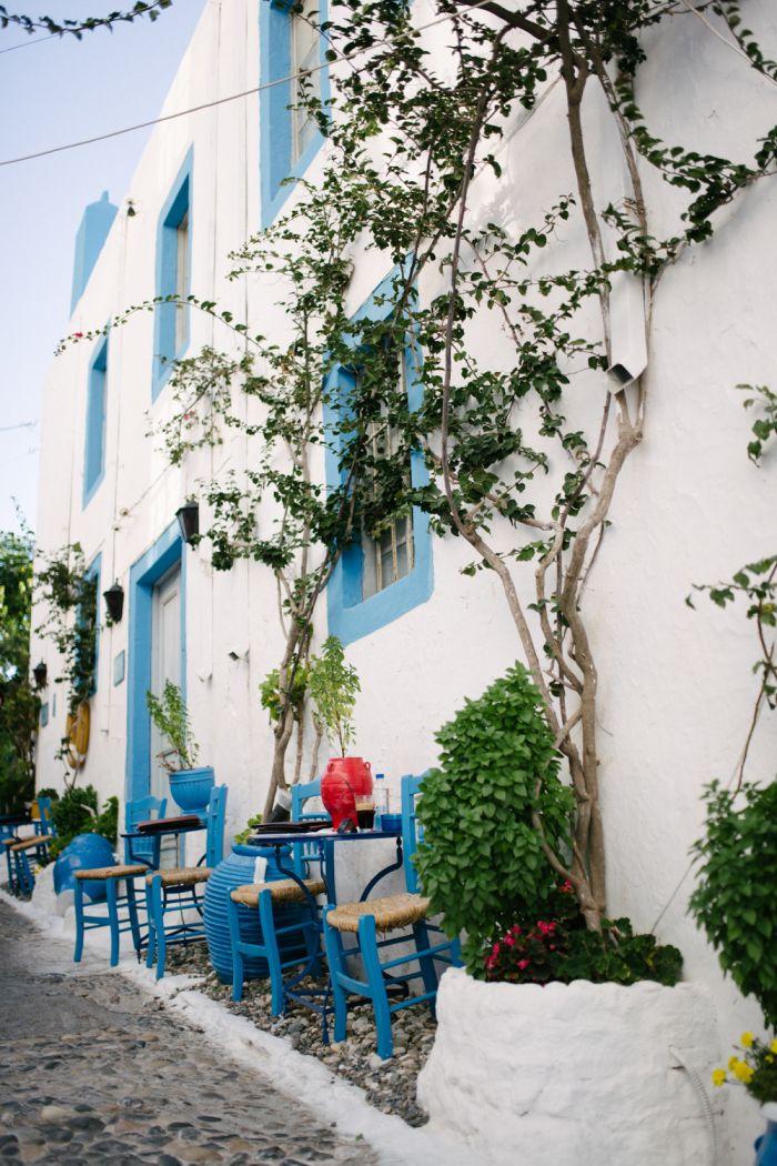 Outdoor Dining in Kos Island Greece | photography by http://www.elisabettamarzetti.com/