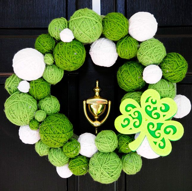 Perfect St. Patrick's Day Decor: Green yarn wreath — so cute!