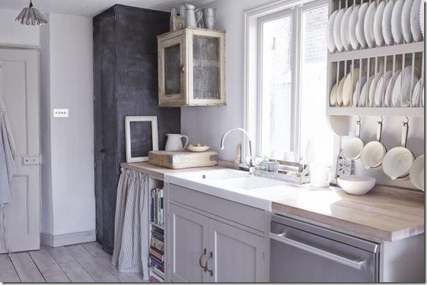 case e interni: [piccoli spazi] Casa estiva in giardino, cucina