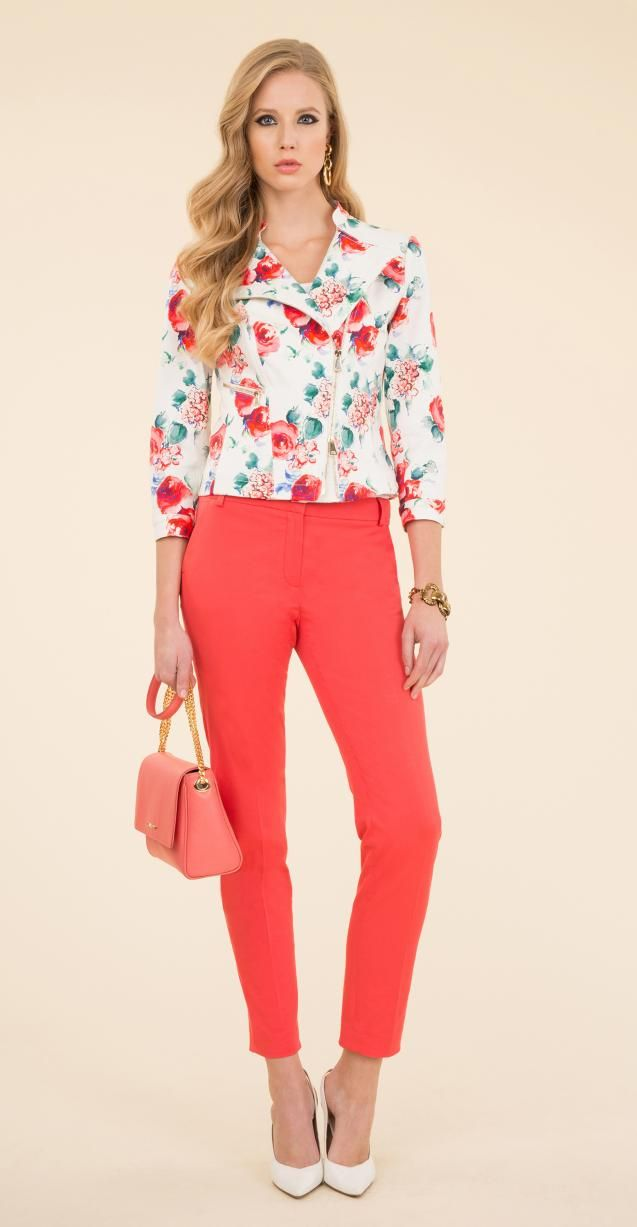Floral printed jacket, cotton trousers, Ila bag and Nardo bracelet.