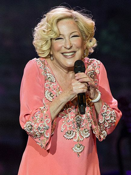 Bette Midler to Star in Broadway's Hello, Dolly! in 2017 http://www.people.com/article/bette-midler-returning-to-broadway-hello-dolly