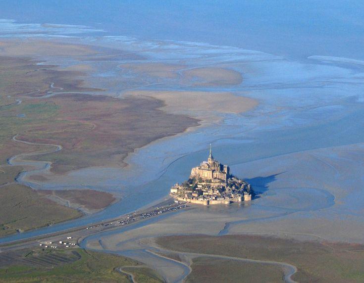 Vue aérienne du mont Saint-Michel