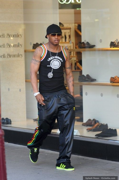 El Hadji Diouf: Shopping in Sportswear