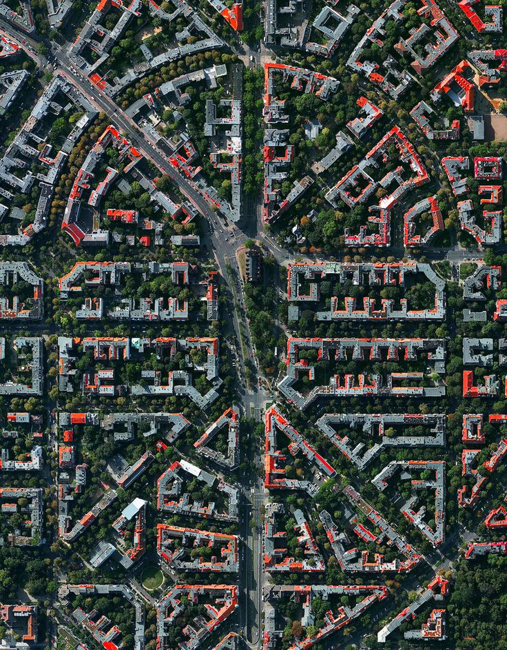 Civilization in Perspective: Capturing the World From Above,Berlin, Germany. Image Courtesy of Daily Overview. © Satellite images 2016, DigitalGlobe, Inc