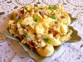 SPLENDID LOW-CARBING BY JENNIFER ELOFF: EGG AND BACON SALAD - This is very satiating...eggs keep hunger at bay for hours. Visit us at: https://www.facebook.com/LowCarbingAmongFriends