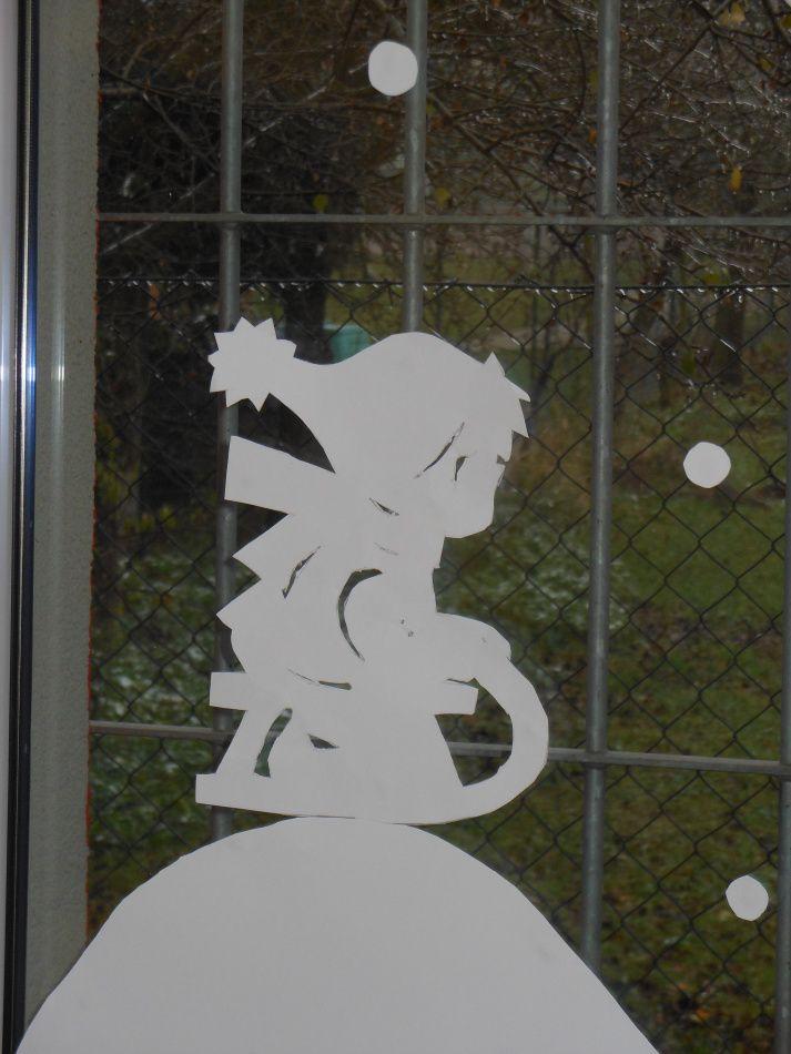výzdoba oken - zima (sáňkování)