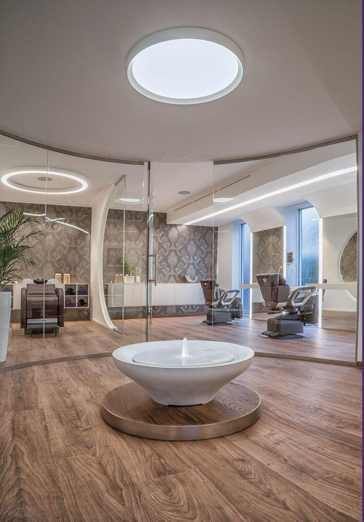 Unsere VIP-Lounge für Ruhe und Entspannung.  --- Egger3 Hair Beauty Relax, Lustenau, Friseur und Beauty-Salon. 4fach Flagship-Salon: Reden, Nouba, Essie Professional, Takara
