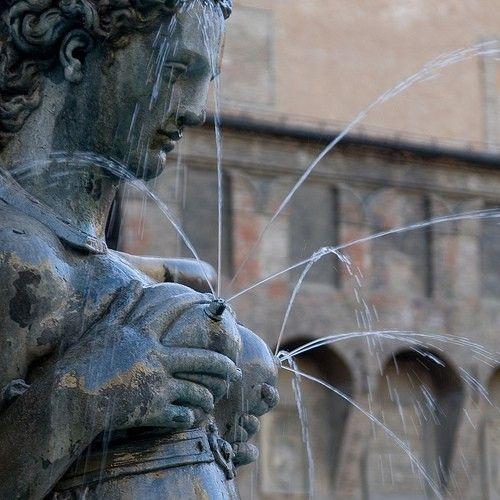 Fontana di Nettuno | Bologna, Italy - Breastmilk Statue! #breastfeeding #bfcafe