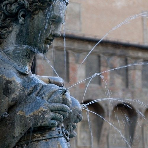 Fontana di Nettuno   Bologna, Italy - Breastmilk Statue! #breastfeeding #bfcafe
