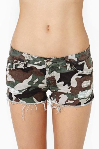 Camo Cutoff Shorts in Clothes Bottoms Shorts at Nasty Gal