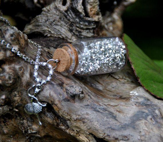 """Collana in bottiglia di vetro, """"lago dei cigni"""" con strass argento e charms di ballerina"""